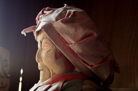 須弥寺・木像マリ
