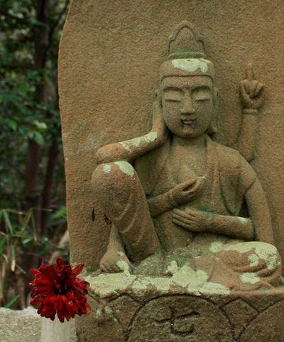 マリ・石仏1
