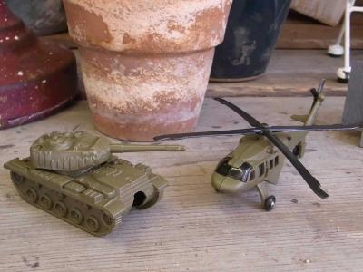 ダルトン,ダイカスト,ペンシルシャープナー,鉛筆削り,タンク,戦車,ヘリコプター,AH-1