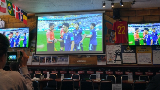 ワールドカップ ロシア サッカー観戦 日本 montreal