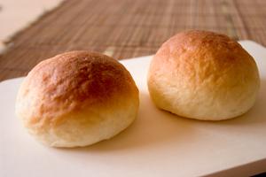 ホワイトチョコのパン