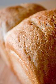 全粒粉入りの食パン