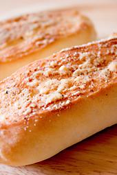 ガーリックチーズのコッペパン