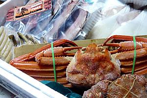 ホッケ、鰊、イカの干物、蟹、ソーセージ