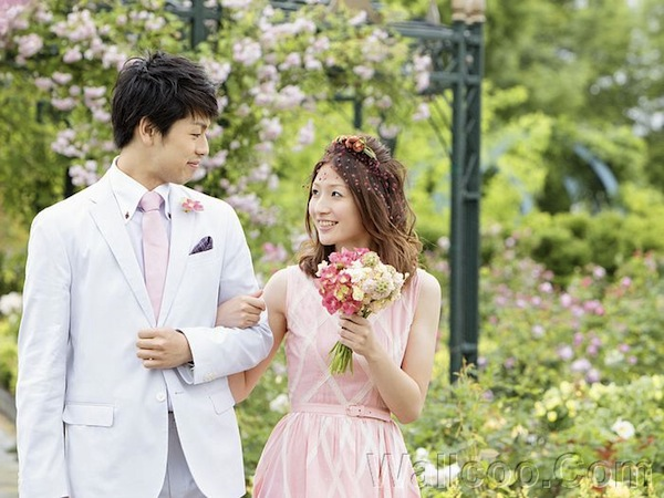 01_Garden_Wedding_photography_048_Smiling newlywed couple.jpg
