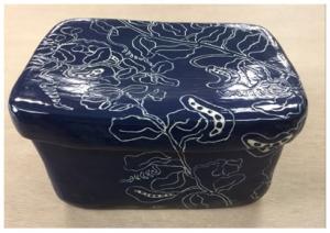 流璃豆草紋陶箱