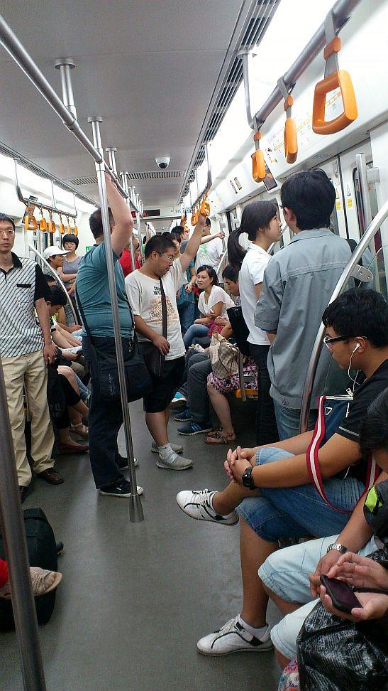 瀋陽地下鉄の車内