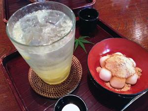 和カフェの白玉きなこ&ゆずソーダ