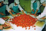 フルーツ酵素用のイチゴを漬ける