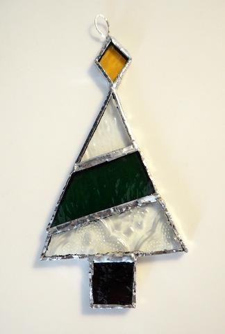 ステンドグラスのクリスマスツリー