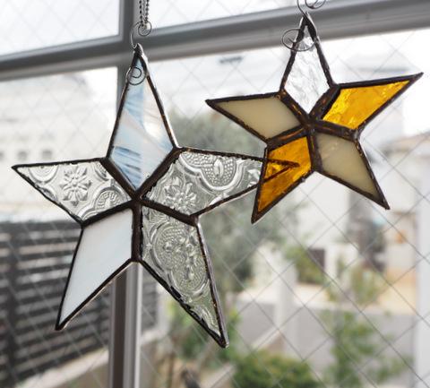 ステンドグラスの星