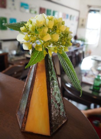 ステンドグラスの花瓶
