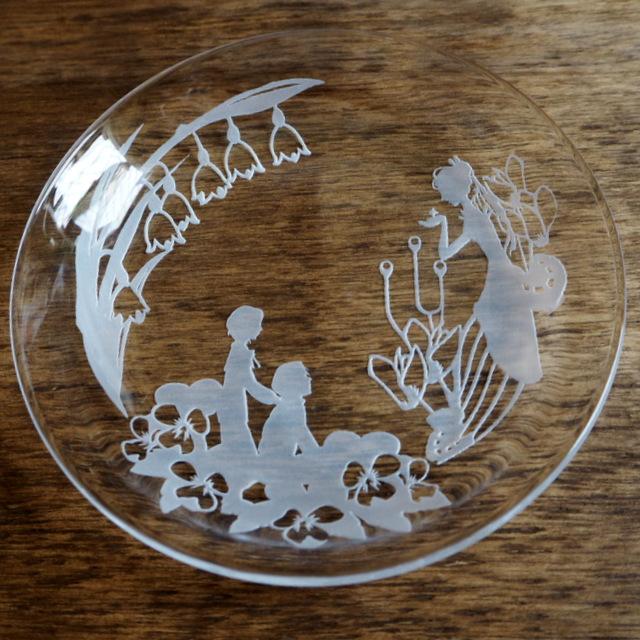 ガラスのお皿 サンドブラスト Untiガラス工房ガラス教室