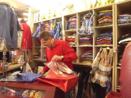 縫製から販売まで全てオーナーが
