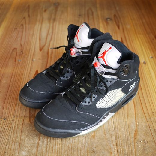 NIKE AIR JORDAN 5 RETRO (USED) ¥14,700-