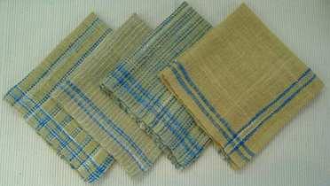 手紡ぎ草木染ハンカチ