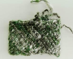 アフガン編みリストウォーマー