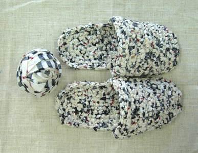 裂き編みのスリッパ