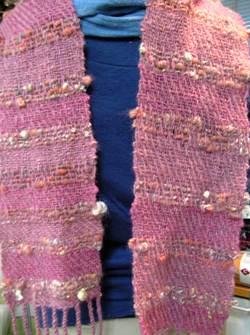 アートヤーンを織り込んだマフラー