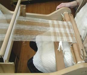 綿と毛のMIXYARNを織る