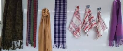 (メイプル)DSC_0918 手紡ぎと手織り.jpg