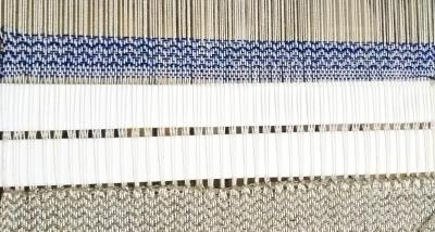 DSC_1088 藍染糸と絹ブークレー.jpg