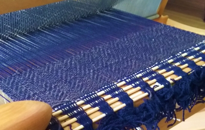 DSC_1172 ヤクを織る2.jpg
