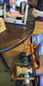 DSC_1767 棉紡ぎスピナーと紡毛機.jpg