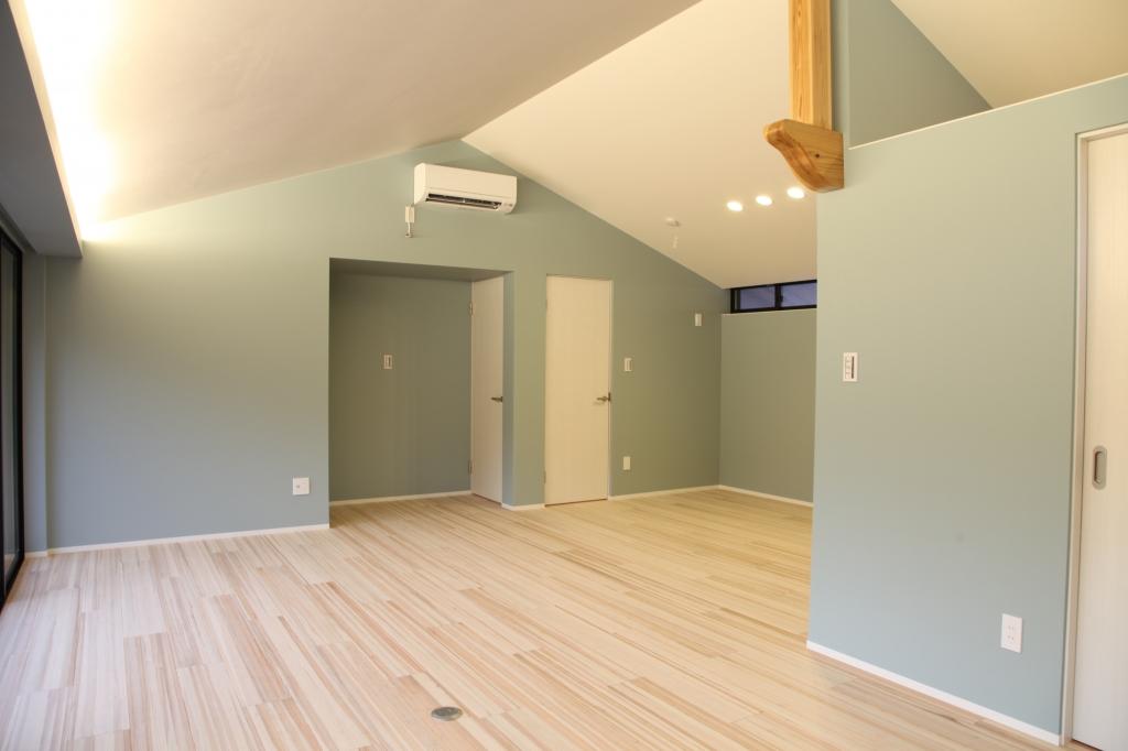 YY024 2F-room