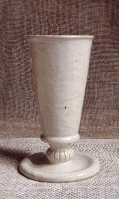 乳白のリキュールグラス