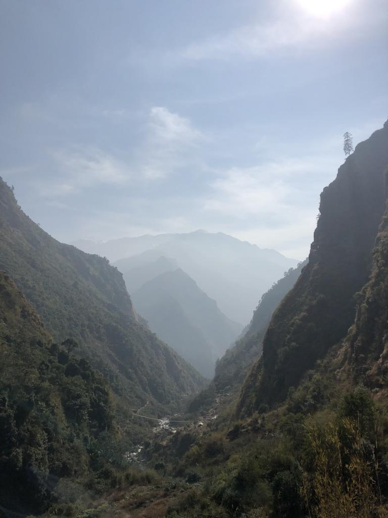 ネパール ヒマラヤ山中 ガネーシュヒマール 景色