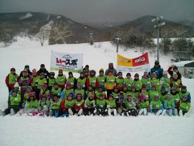 みんな楽しく元気いっぱいスキーをしました!