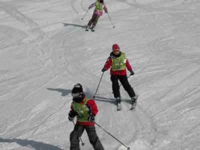上級班。スキーきれいにそろっていますよ。