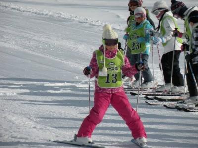 この子も今回のスキー学舎でスキーを始めた子です。