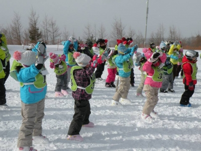 子供たちは準備体操から一生懸命です。