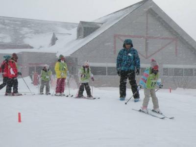 今日は少し吹雪いたけど子供たちは何のその!