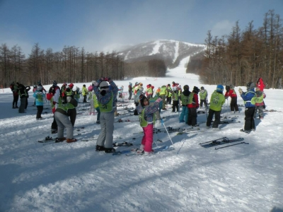 今日はインターアルペン雫石スキースクールの先生方が担当してくださいました。
