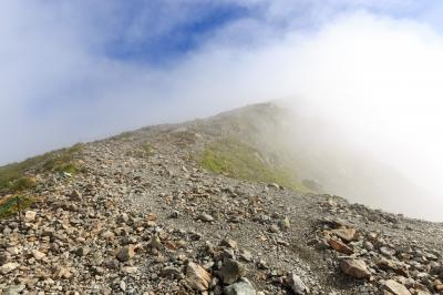 白馬岳頂上への道