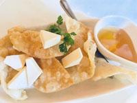 餃子屋さんのアレンジ餃子の皮のパリパリクリームチーズ