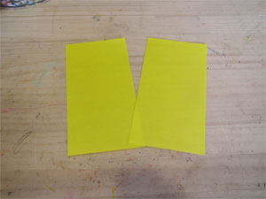 折り紙を切るのにシュレッダーはさみを使う