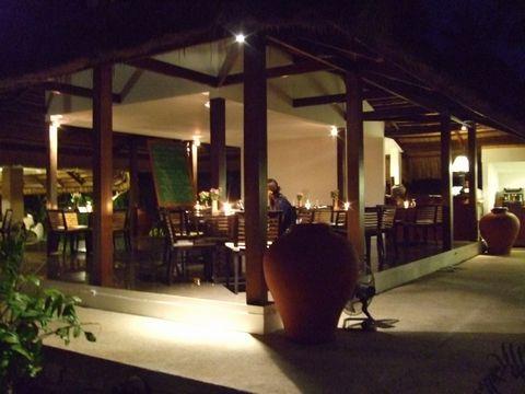 フィリピン ボホール島、パングラオ島 ホテルレストラン