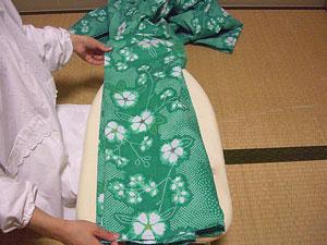 浴衣を自分でお洗濯(4) 〜本だたみで収納〜5