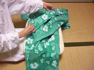 浴衣を自分でお洗濯(4) 〜本だたみで収納〜7