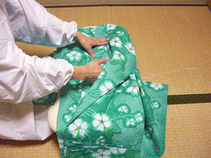 浴衣を自分でお洗濯(4) 〜本だたみで収納〜11