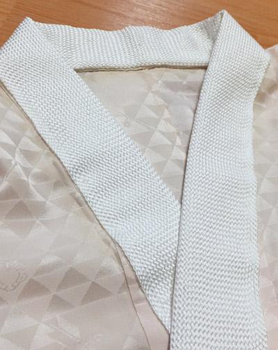 組紐の半衿(長襦袢に縫い付けた様子)