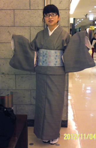 Y・M様(黒系のモダン柄着物・袷)を、お手持ちの帯とコーディネートされて☆
