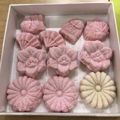 和菓子職人さんが作る、お干菓子のお手本。美しい!
