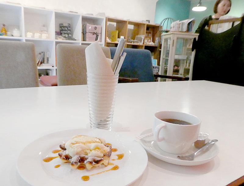 東高円寺ブックカフェ「イココチ」コットンパールのワークショップ