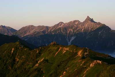 燕山荘から槍ヶ岳、穂高。