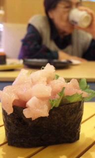 おばあとお寿司.jpg